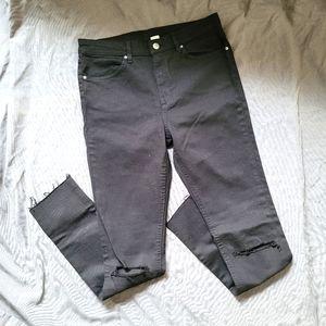 [H&M] High Rise Knee-Rip Raw Hem Black Jeans 10